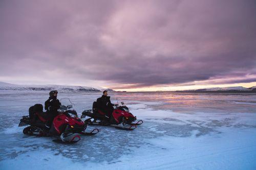 sniegaeigiai,ledynas,sniegas,Šiaurės ašigalis,gamta,snieguotas kraštovaizdis,arktinė,stebuklinga naktis,ledo nuotykis,nuotykis,kalnas,ledas,žvaigždės,svalbaras,nuotykiai naturen,ilgai gyvena,randonée,alaska,erdvė,važiuoti,kelionė