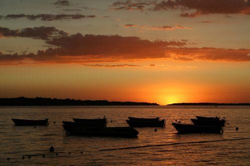 saulėlydis, vakaras, dusk, valtis, apšvietimas, raudona, jūra, vanduo, dangus, debesys, vasara, vasara & nbsp, vakaras, šviesa, saulėlydis paplūdimyje