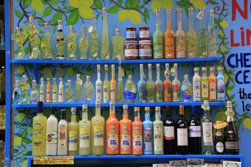 sorrento,buteliai,Limoncello,citrina,alkoholis,stiklas,ispanų,likeris,gerti,citrusiniai,vasara,tradicinis,geltona,likeris,skystas