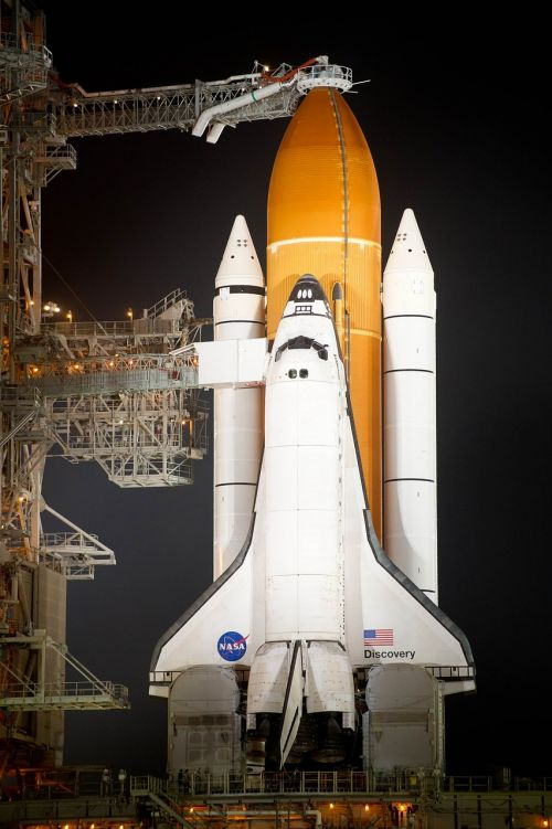 kosminis laivas,atradimas,autobusas,kosminio aparato atradimas,prieš skrydį,paleidimo aikštelė,raketa,stiprintuvai,erdvėlaivis,erdvėlaivis,astronautas,transporto priemonė,Paruošimas