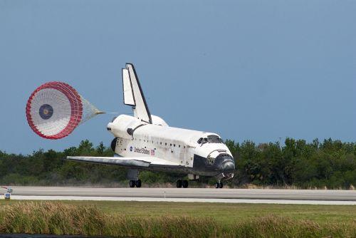 kosminis laivas,atradimas,nusileidimas,vilkimo drožtuvas,takas,erdvė,astronautai,skrydis,misija,Atvykimas,metodas,gabenimas,kosmosas,aviacija,erdvėlaivis