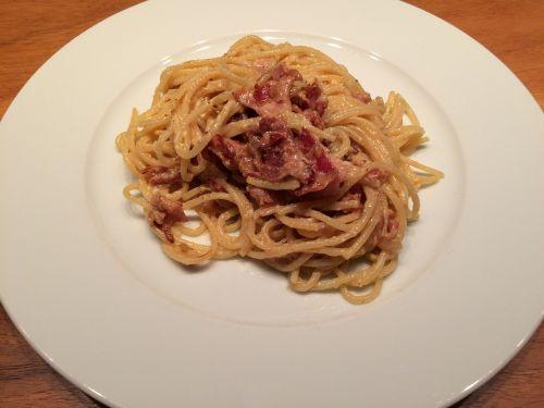 spagečiai,carbonara,bacon,svogūnai,maistas,pietūs,italy,spagečiai carbonara,makaronai,makaronai,valgyti,plokštė