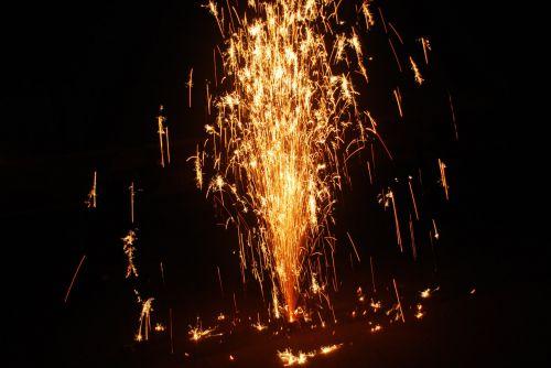 fejerverkai, spindesys, putojantis, kūgis, šventė, festivalis, šventė, putojantis fejerverkų kūgis