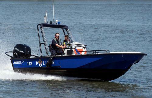 greitaeigė valtis,policija,valtis,vanduo,greitis,saugumas,vandenynas,jūra,patrulis,laivas,transportas,teisė,vykdymas,kruizas,saugumas,greitkelis,mėlynas,variklis,motorlaivis