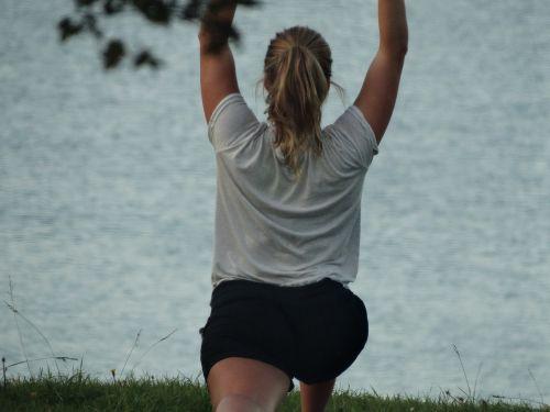 Sportas, į sveikatą, pilatesas, lauke