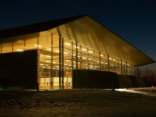 sporto salė,sporto salė,sporto centras,apšvietimas,naktį,pastatas,architektūra,sandėlis,stogas,stiklas,stiklo konstrukcija,langas