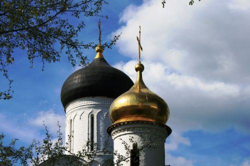 katedra, bažnyčia, balta, pastatas, auksiniai & nbsp, juodi & nbsp, kupolai, svogūnai & nbsp, kupolai, religija, rusų & nbsp, ortodoksų, bokštai, mėlynas & nbsp, dangus, baltieji & nbsp, debesys, Šv. Boriso ir Glebo vienuolynas