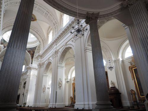 St Ursus katedra,katedra,solothurn,Šv ir Velerio katedra,St Ursen katedra,st-ruseno katedra,Romos katalikų,romėnų bažnyčios katalikų vyskupija,Šveicarija,ankstyvojo klasicistinio stiliaus,bažnyčios pastatai,bažnyčia