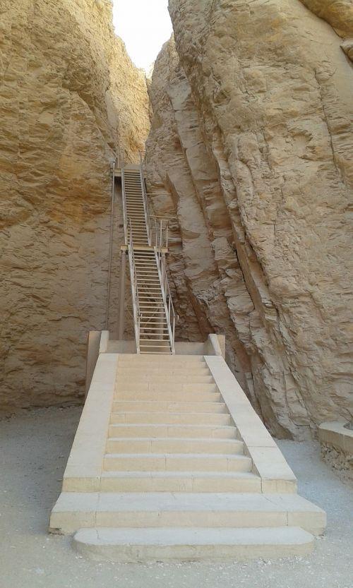 laiptai,aegytis,laidojimo kameros,Rokas,gamta,smėlio akmuo,kapas plėšikas,urnos,kapas,istorija,akmenys,poilsio vieta,kapinės,aukos,didelis akmeninis kapas,mirtis,istoriškai,laidotuves