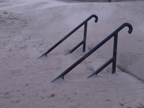 laiptai,dreifas,smėlis,vėjas
