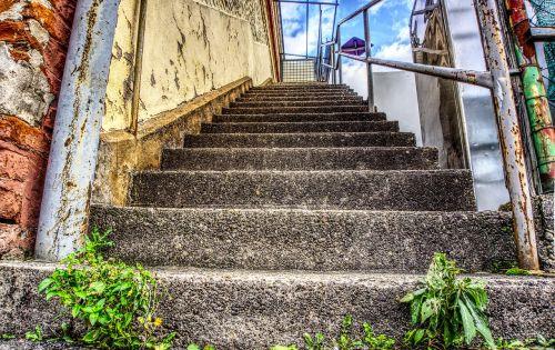 laiptai,pakilti,palaipsniui,turėklai,laiptinė,pastatas,istorinis pastatas,pramoninis pastatas,gamyklos pastatas,hdr,didelis dinaminis diapazonas,kontrastas