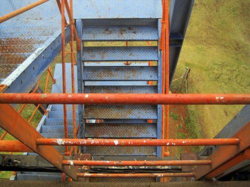 laiptinė, eksterjeras, mėlynas, išblukęs, turėklai, oranžinė, laiptai ir apelsinų turėklai