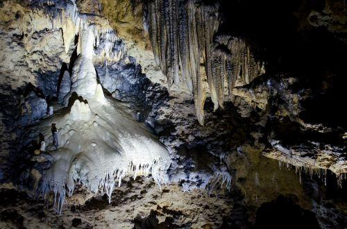 stalagitas,urvas,stalaktitas,balta,mėlynas,swiss francs,francūzijos šveicarija,stalagmitas,kalcitas,mistinis,stalaktito urvas,sophie urvas,mįslingas,melas