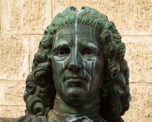 statula,prisiminti bronzos,menas,perukas