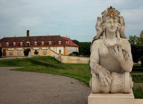 statula,pilis,istoriškai