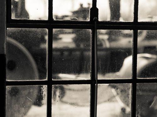 garo volelis,geležinis langas,istoriškai,tinklelis,nostalgija,kalvotas geležis
