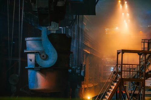 plienas,gamyba,ištirpintas,karštas,viduje,interjeras,gamykla,augalas,įranga,gamyba,gamyba,geležis,mašina,sunkus,Ugnis,šviesa