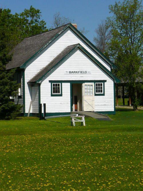steinbach,Mennonito palikuonys,manitoba,Kanada,senas mokyklos pastatas,pastatas,balta,Miestas,kaimas
