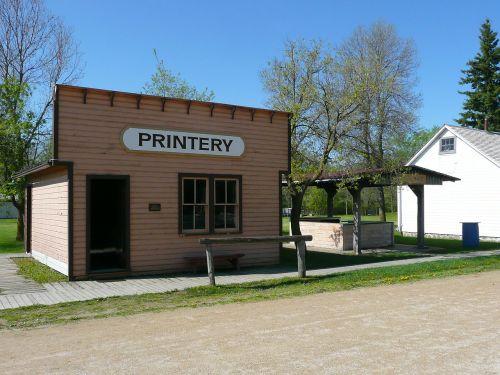 steinbach,Mennonito palikuonys,manitoba,Kanada,pastatas,namas,spausdintuvas,laikraštis,istorija