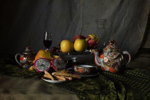 natiurmortas,taurė,obuolys,pitaya,vynas,stiklas,skaidrus,vidinis puodelis,raudona