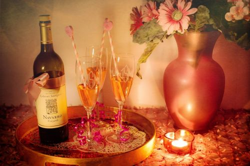natiurmortas,natiurmortas,vynas,vyno taurės,vakarėlis,romantiškas,apšviesta žvakė,gėrimai,alkoholis