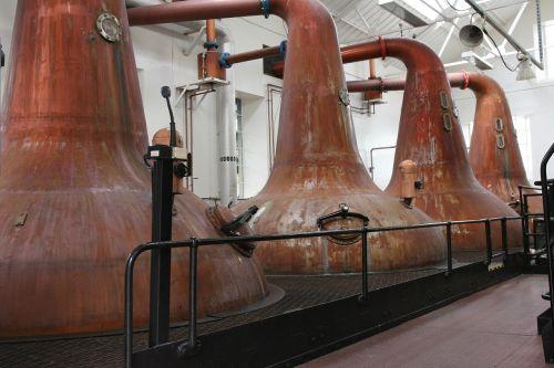 faksai, spirito varykla, distiliuoti, deginti, viskis, vienas salyklas, spiritai, Škotija, kirkwall, Orkney salos