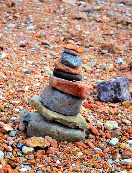 akmenys,rausvai,gamta