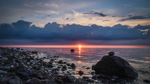 akmenys,saulėlydis,šventė,Baltijos jūra,jūra,vanduo,kranto,papludimys,smėlis,banga,vakaro saulė,dangus,atmosfera,šiaurinė Vokietija,smėlio paplūdimys Baltijos jūros paplūdimys,paplūdimys heiligenhafen,vaizdas,vasaros atostogos