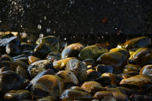 akmenys, šlapias, šlapias akmuo, fontanas, vanduo, gamta, vandenys, fonas, akmenukas, be honoraro mokesčio