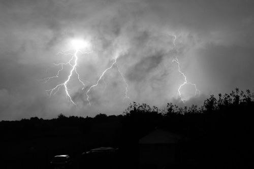 audra,žaibas,tamsi,debesų danga,debesis