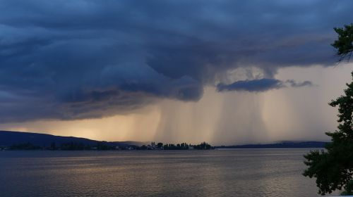 audra ežeras,natūralus spektaklis,grasinanti,dangus,kraštovaizdis,medžiai,debesys