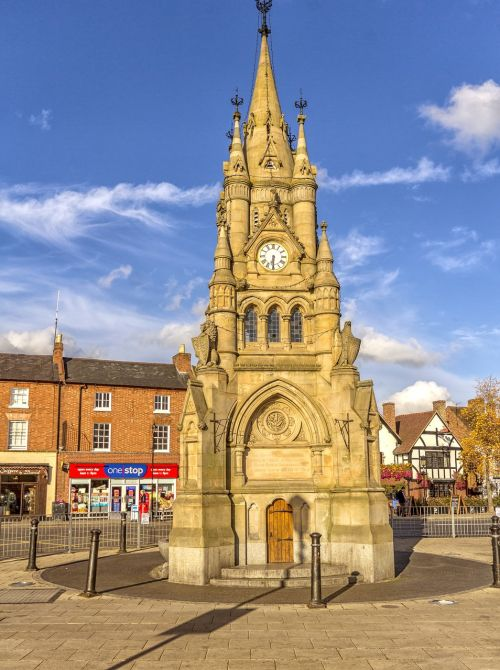 stratford upon avon,centrinis,laikrodzio bokstas,Šekspyras,paminklas,architektūra,orientyras,Tudoro miestas,vasara,architektūra,miesto,pritraukimas,žinomas,turizmas,kelionė,istorinis,gatvė,Warwickshire,akmuo,senas
