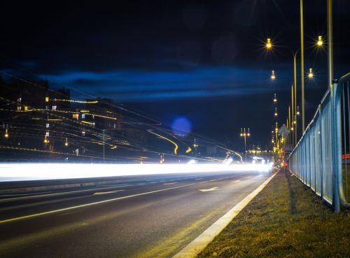gatvė,šviesa,miestas,naktis,perėjimas,tamsa,gatvės šviesos,vakaras,kelias,twilight,žibintas,signalizacija,lempa,miesto centras,saugos diržai,žalia šviesa,senamiestis,Senamiestis,centras,ilga ekspozicija