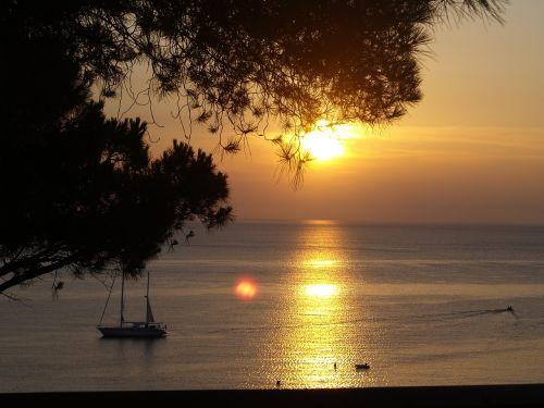 vasara,jūra,saulėlydžiai