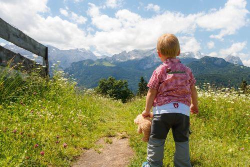 aukščiausiojo lygio susitikimas,aukščiausiojo lygio susitikimas,Alpių,keliautojas,kalnas,žmogus,perspektyva,asmuo,vaizdas,laimingas,pasiektas tikslas,viršuje,bergtour,vaikas,žygiai,alpinizmas,alpinistas,žygis,lipti,viršūnių susitikimo tikslas,alpinizmas,pieva,kalnų pieva,migracijos tikslas,kelionė