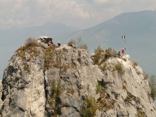 aukščiausiojo lygio susitikimas,kalnas,Rokas,viršūnių susitikimo tikslas,taikinys,puiku,viršuje,italy,žygis,žygiai,migracijos tikslas,alpinizmas,bergtour,perspektyva,lipti,alpinizmas,alpinistas,kelionė,alpinizmas,bergsport,Cima sat,per dellamicizia,garda