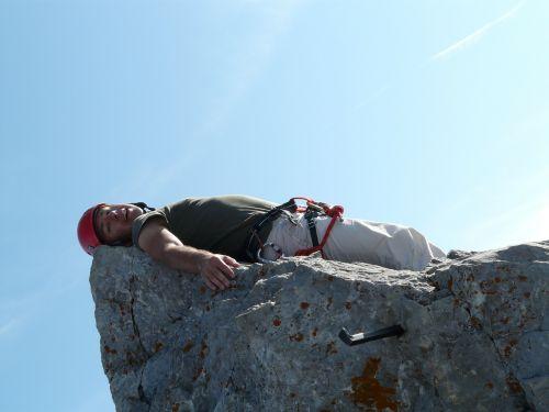 aukščiausiojo lygio susitikimas,aukščiausiojo lygio susitikimas,ellmauer sustabdyti,wilderkaiser,kalnai,Alpių,Rokas,poilsis,išnaudota,laimingas,pavargęs,rūpestis,žmogus,asmuo,bergtour,alpinistas