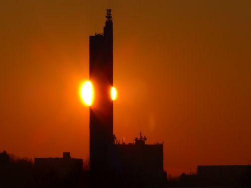 saulė,bolidas,ugnis,saulėlydis,auksinis,švytėjimas,afterglow,grūdų silosas,schapfe malūnas,miltų malūnas,Jungingen,ulm,swabian alb,didžiausias grūdų silosas,pasaulio rekordas,įrašyti,vokiečių architektūros apdovanojimas,architektūra,pastatas,silosas,atmintis,bokštas