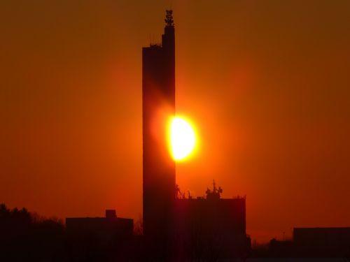saulė,bolidas,saulėlydis,afterglow,abendstimmung,grūdų silosas,schapfe malūnas,miltų malūnas,Jungingen,ulm,swabian alb,didžiausias grūdų silosas,pasaulio rekordas,įrašyti,vokiečių architektūros apdovanojimas,architektūra,pastatas,silosas,atmintis,bokštas