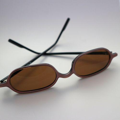 ruda, akiniai nuo saulės, plastmasinis, izoliuotas, balta, fonas, Iš arti, studija, niekas, akiniai, saulė, apsauga, uv, spinduliai, atspindys, radiacija, ultravioletinis, šviesa, akiniai nuo saulės