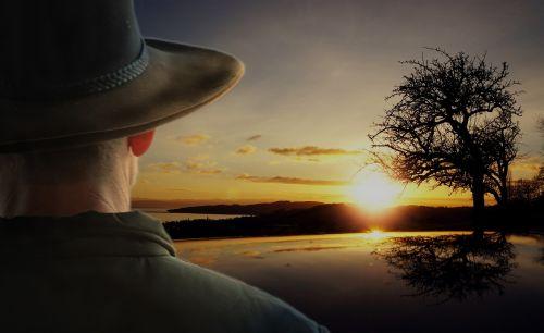 saulėtekis,kraštovaizdis,bushman,kaubojus,akubra,saulė,medis,šviesus,šviesa,oranžinė,saulėlydis,saulėlydis,gamta,dangus,geltona,rytas,saulės šviesa,peizažai,gražus,grazus krastovaizdis,gamtos kraštovaizdis,siluetas,aplinka,saulėtas