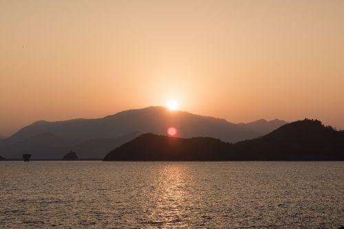 saulėtekis,kalnas,gamta,šviesa,saulės šviesa,saulėtas,šviesus,kraštovaizdis,šviesti,lauke