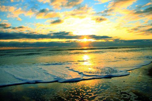saulėtekis,dangus,papludimys,naršyti,gamta,saulėlydis,saulėtekio dangaus,vasara,kraštovaizdis,mėlynas,saulė,saulėtekio peizažas,saulės šviesa,dangaus debesys,dangaus fonas,mėlynas dangus,šviesa,rytas,vasaros kraštovaizdis,aušra,kelionė,saulėlydžio fonas,horizontas,saulėlydžio dangaus,lauke,grazus krastovaizdis,debesų fonas,debesys,debesis,mėlynas dangus fonas,natūralus,dangus,sezonas,saulėtas,vaizdas,oras
