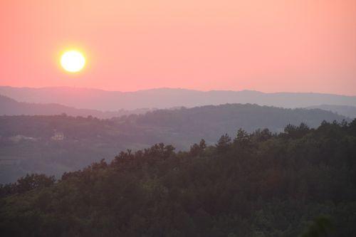 saulėlydis,hum,kroatija,saulė,nustatymas,vasara