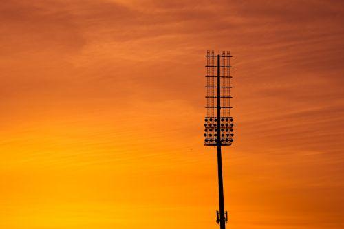 saulėlydis,šviesa,apšvietimo sistema,stadiono apšvietimas,lempa,įranga,dangus,debesys,vakaras,dusk,spalvinga,oranžinė