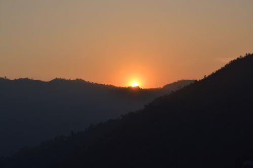 Saulėlydis, Nepalas, Pokara