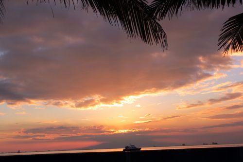 saulėlydis, nuostabus & nbsp, saulėlydis, raudona & nbsp, saulėlydis, apsvaiginimo & nbsp, saulėlydis, gražus & nbsp, saulėlydis, vandenynas, jūra, apmąstymai, jūra ir nbsp, kranto, jūra & nbsp, vėjas, smėlis, plūduriuojantis & nbsp, namas, debesys, gamta, Debesuota, saulės šviesa, vasara, saulė ir nbsp, spinduliai, valtis, objektas, papludimys, peizažas, Saulėlydis Manilos įlankoje 2