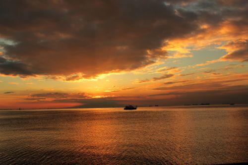 saulėlydis, apsvaiginimo & nbsp, saulėlydis, gražus & nbsp, saulėlydis, vandenynas, jūra, apmąstymai, jūra ir nbsp, kranto, jūra & nbsp, vėjas, smėlis, plūduriuojantis & nbsp, namas, debesys, gamta, Debesuota, saulės šviesa, vasara, saulė ir nbsp, spinduliai, valtis, objektas, papludimys, peizažas, saulėlydis Manilos įlankoje 3