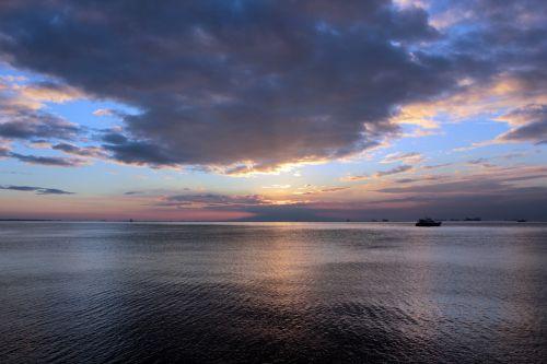 saulėlydis, nuostabus & nbsp, saulėlydis, raudona & nbsp, saulėlydis, apsvaiginimo & nbsp, saulėlydis, gražus & nbsp, saulėlydis, vandenynas, jūra, apmąstymai, jūra ir nbsp, kranto, jūra & nbsp, vėjas, smėlis, plūduriuojantis & nbsp, namas, debesys, gamta, Debesuota, saulės šviesa, vasara, saulė ir nbsp, spinduliai, valtis, objektas, papludimys, peizažas, saulėlydis Manilos įlankoje