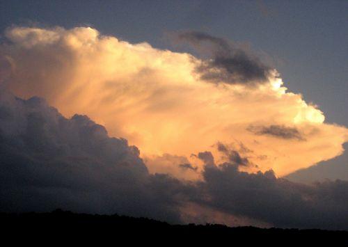 debesys, dangus, saulėlydis, meteorologija, oras, pūkuotukas, cumulus, cumulonimbus, saulėlydžio audros